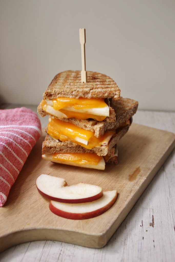 apple ham & cheese panini |www.whatkumquat.com