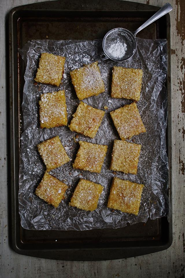 Easy & delicious lemon squares |www.whatkumquat.com
