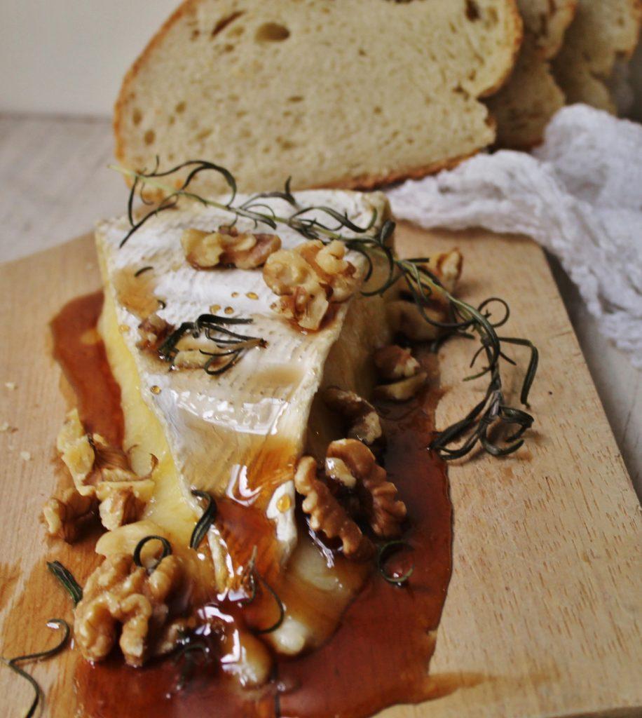 rosemary honey baked brie |www.whatkumquat.com